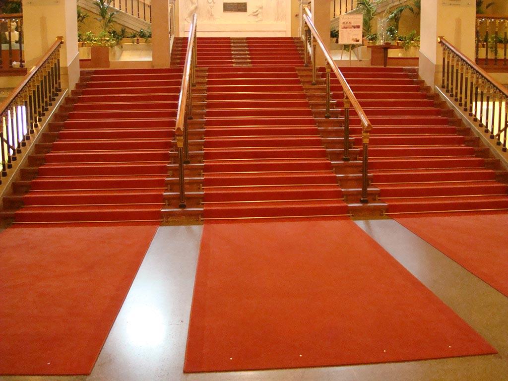 Bildergalerie  Roter Teppichboden im Konzerthaus Wien
