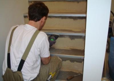 Linoleum aud Stufen 02: Reinigung der Stufen