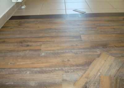 Mabos PVC-Bodenbelag 05: PVC-Planken auf Keremikfliesen