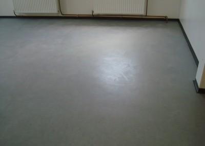 Grauer PVC-Bodenbelag 08 - verlegte Fläche