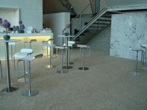 Teppich in Konferenzräue: Verlegte Fläche.