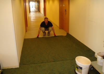 Teppich in Seniorenresidenz 06 - Vorbereitung auf die Verklebung