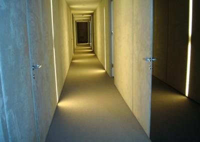Teppichboden im Büro 06: verlegte Fläche im Flur