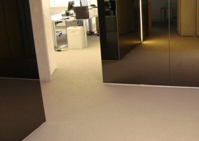 Teppichboden im Büro 09: verlegte Fläche - Raum und Flur