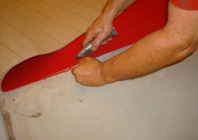 Teppichverlegung im Bankhaus Spängler 04: grober Zuschnitt