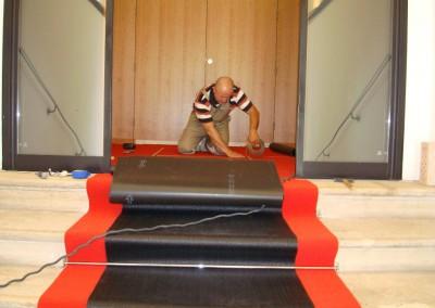 Teppichverlegung im Bankhaus Spängler 05: Teppich auf Treppen
