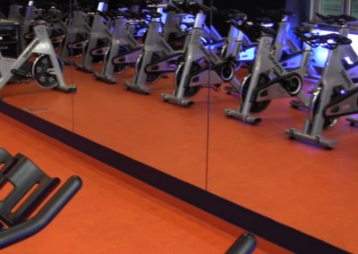 Video: Orange Linoleum in Fitnessräumen